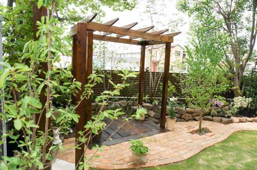 パーゴラ・アーチ・ガーデンドア