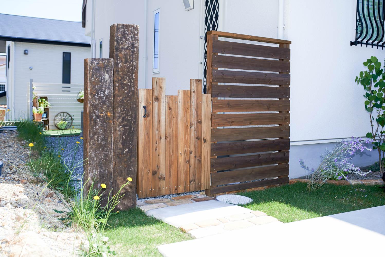 オープン外構の門柱