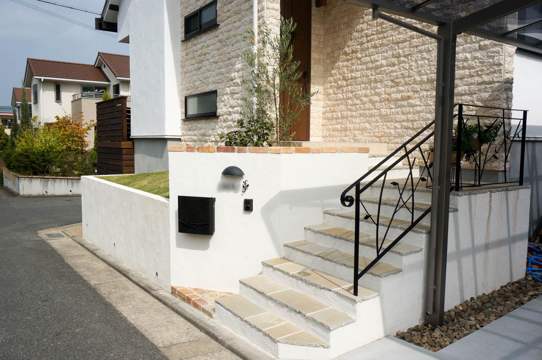 高台の新築住宅の問題点を外構で解決する