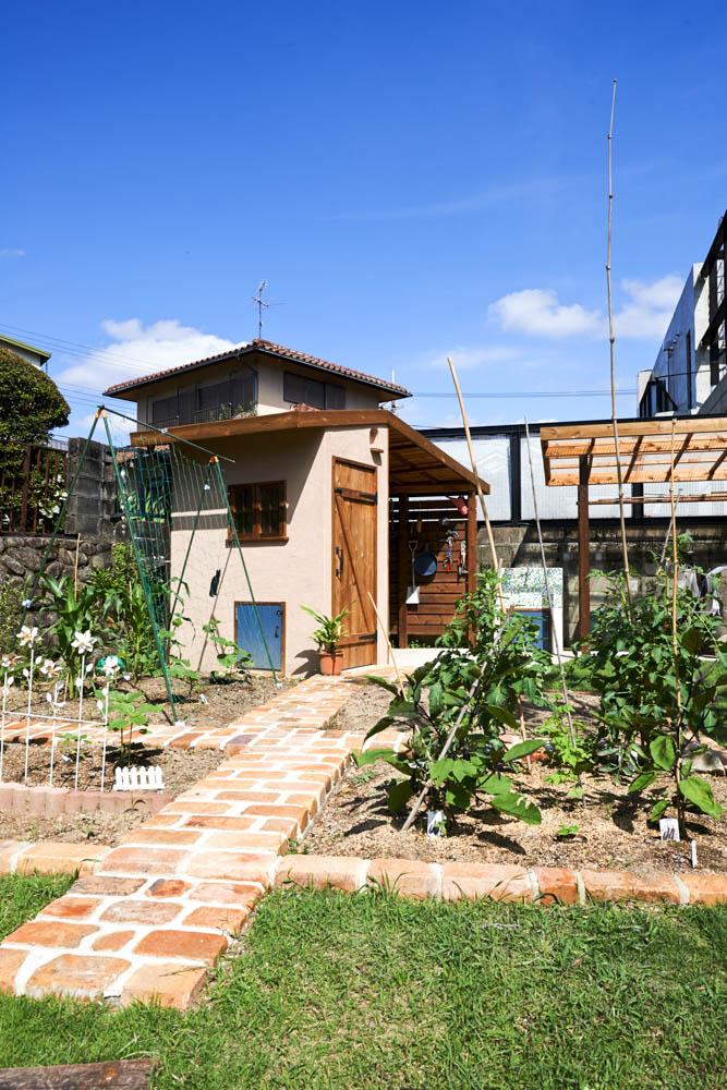 新しく暮らす家族のために庭を全面リフォーム