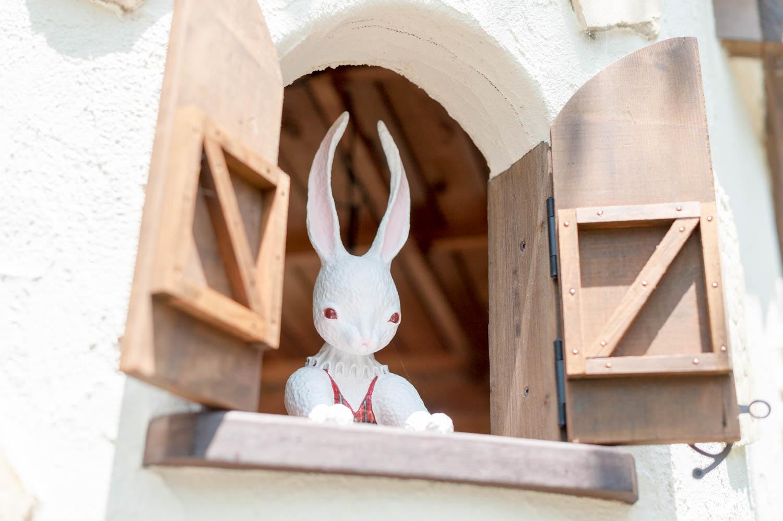 フィトライフのアリスをモチーフにした庭小屋