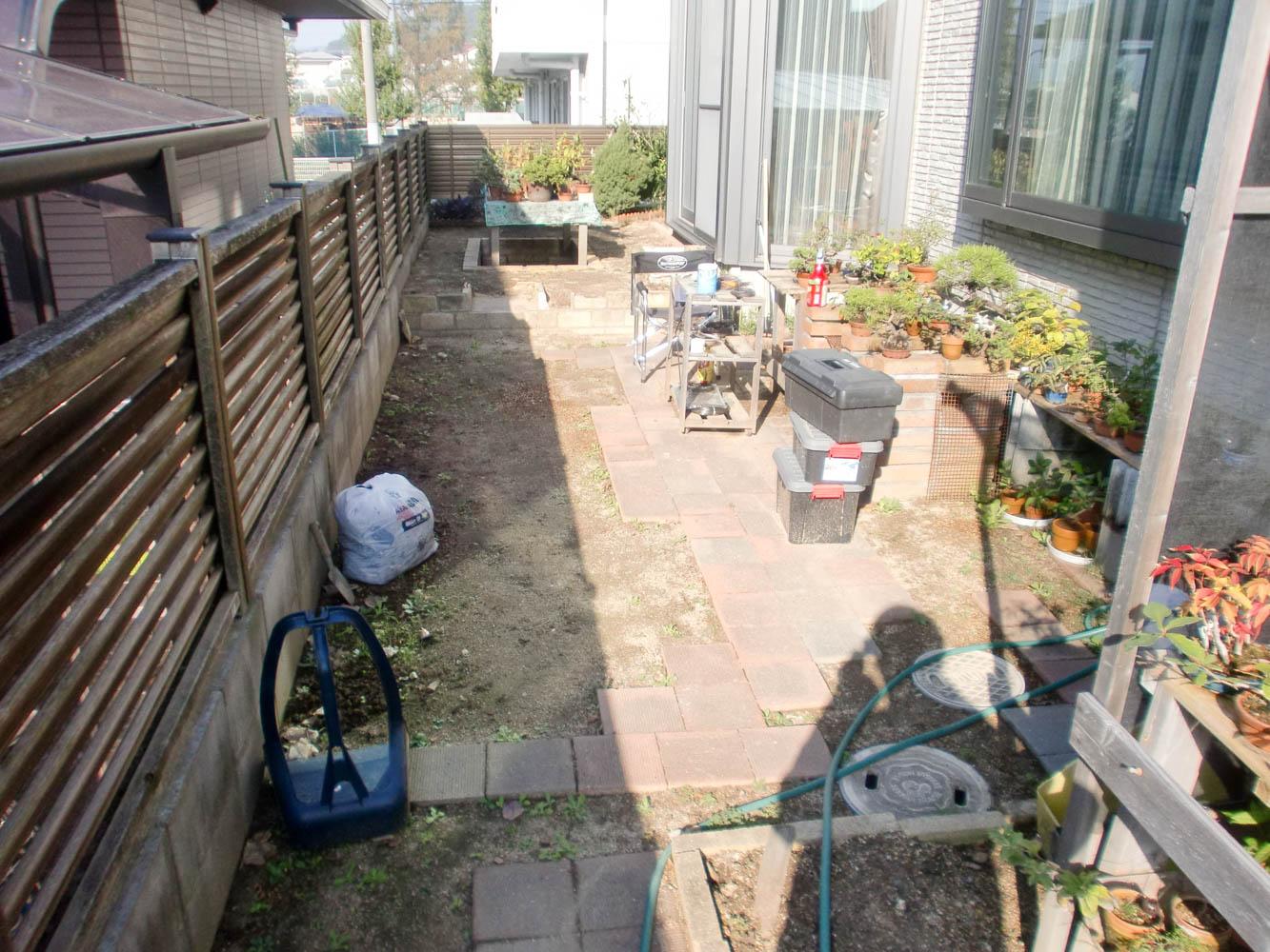 盆栽のための庭にリフォームの施工前