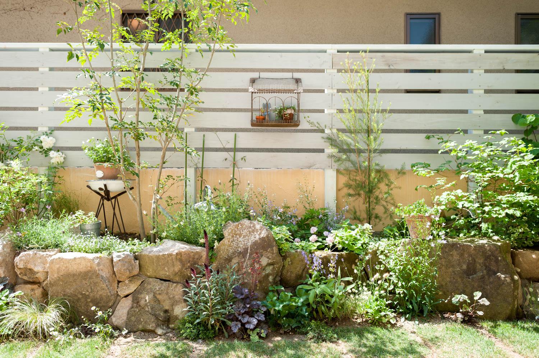 フィトライフのウッドフェンス・花壇・石組み