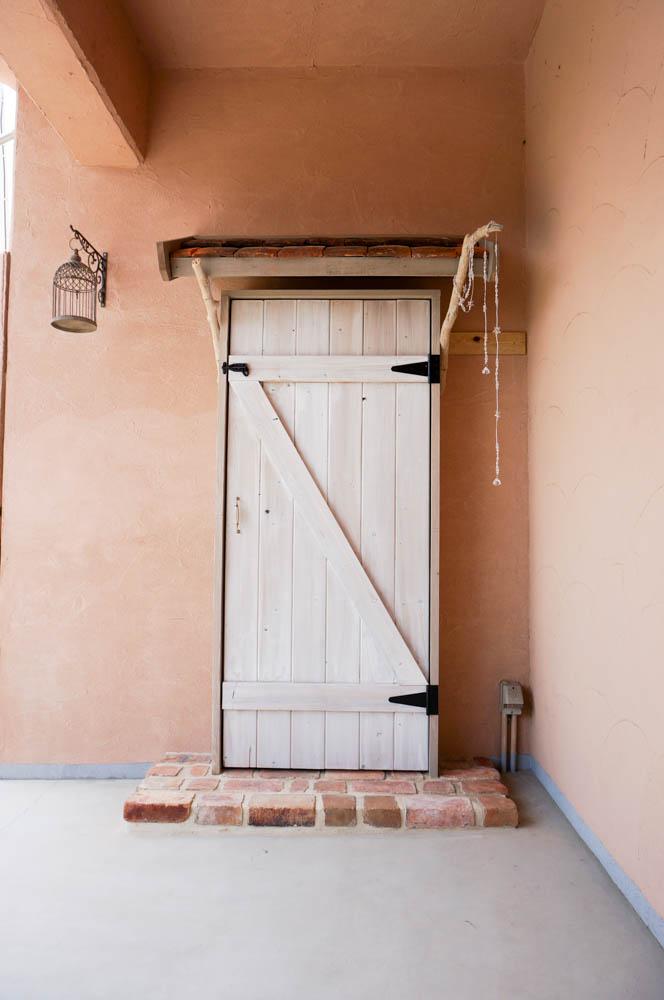 フィトライフの大人テイストの小さな庭小屋(飾りドア)