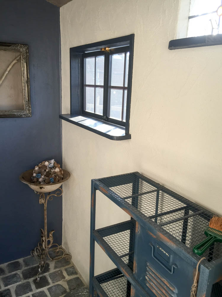 フィトライフの大人テイストの小さな庭小屋(室内の雑貨)