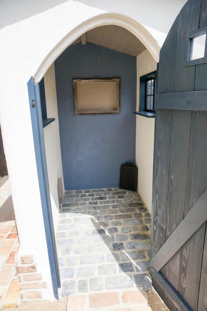 フィトライフの大人テイストの小さな庭小屋(室内のレンガ張り)