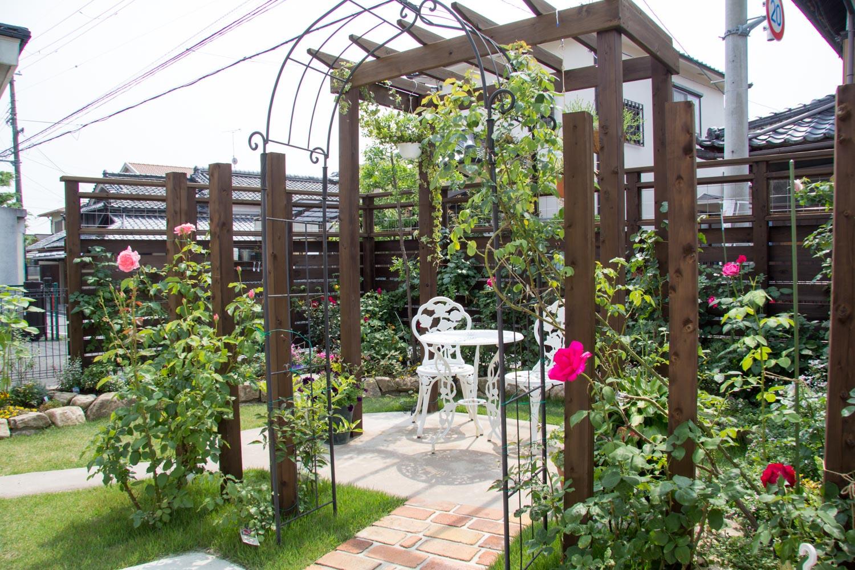 庭で家庭菜園