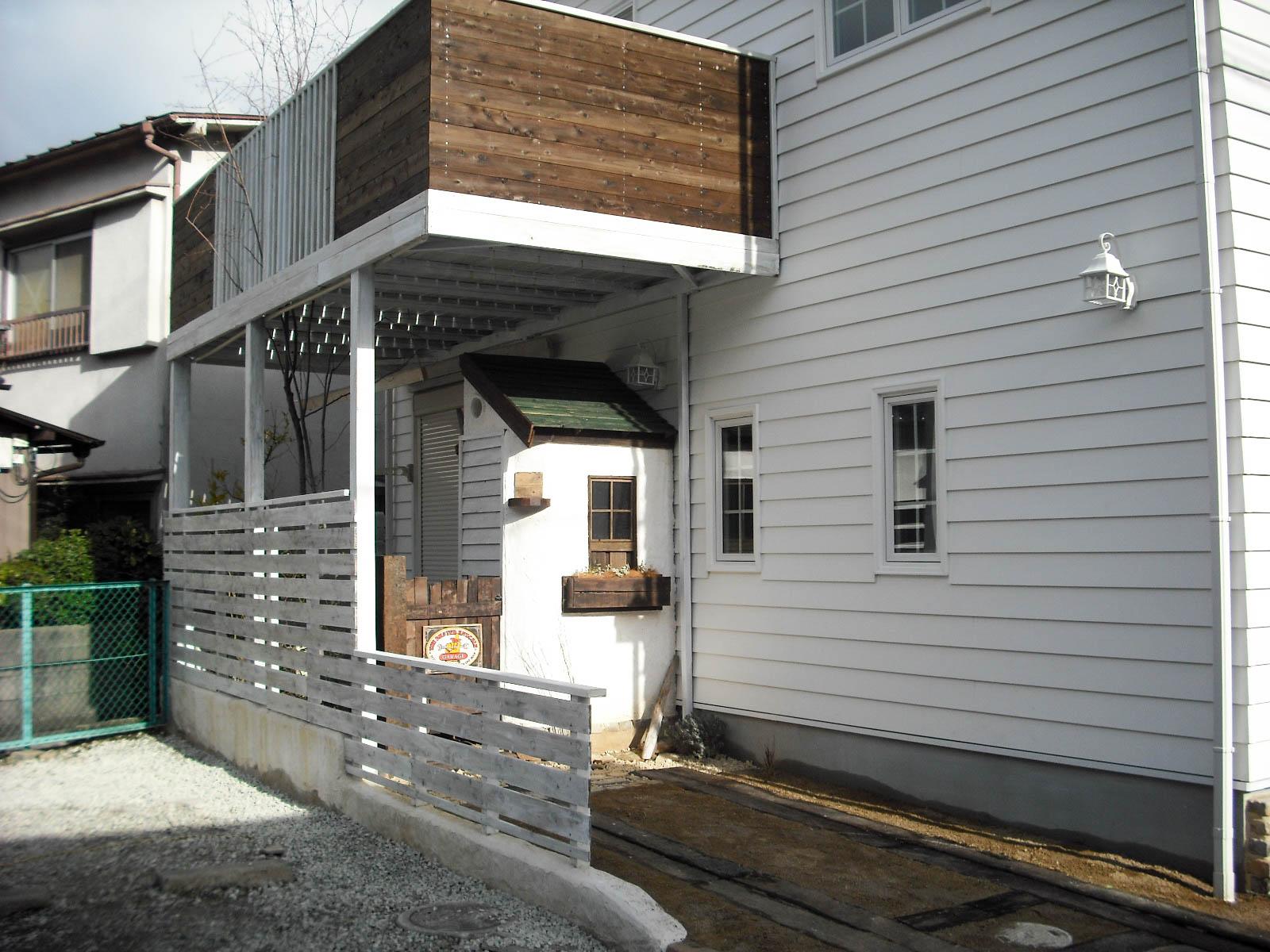 2階建ての庭の施工後