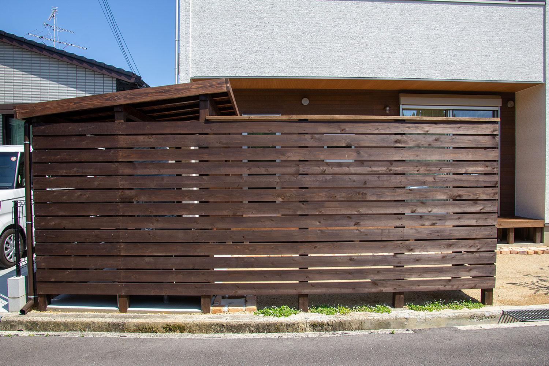 シンクつき木製自転車置き場